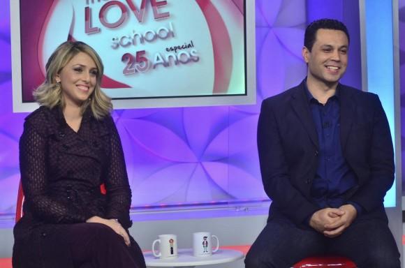 Escola do Amor: o casal de palestrantes que conquistou o mundo